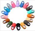 2016 Nuevos llegados A Mano Inferior Suave Cuero de LA PU Del Niño de mezclilla jean Bebé Mocasines Zapatos Recién Nacidos Primeros Caminante zapatos unisex