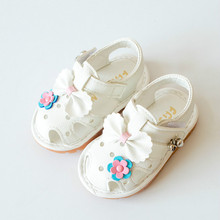 2017 Baby Girls Sandals Toddlers Shoes with Bow Flower First Walker Sandals Closed Toe Soft Sole