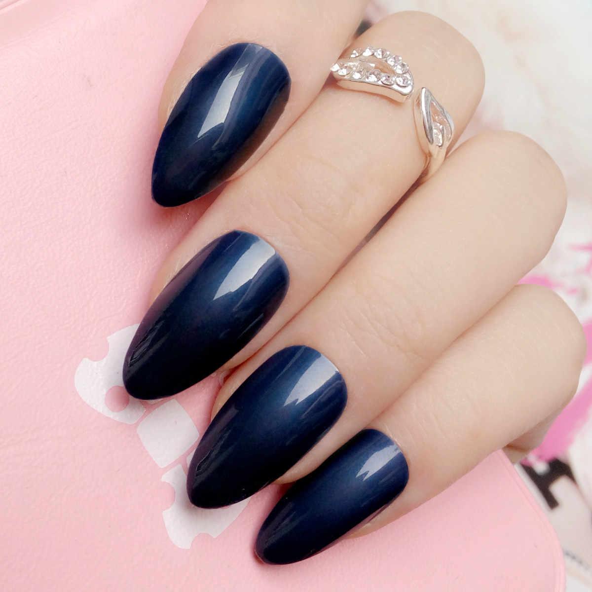 Uñas Postizas De Color Caramelo De Color Azul Marino De Moda