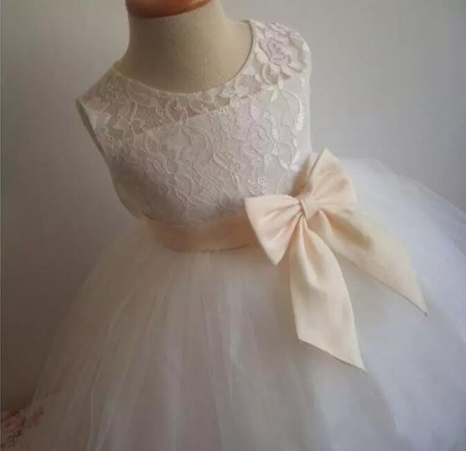 White Ivory Lace Flower Girls Dress Knee Length 2017 Custom Made Girls Dress Baby Infant Christening Gown