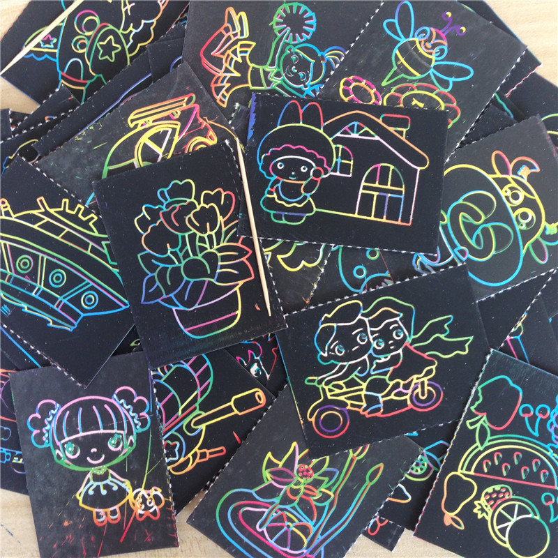 2017 leijiaer 10pcs/lot 5.5cm*7.5cm Random does not repeat Magic Color Scratch Art Paper Coloring Ca Drawing Toys for Children