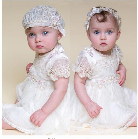 new white baby girl dresses lace pattern knee length baby girls dress baby girl christening gowns With Headband with hat baby christening gown to the length of the new white summer style baby girls dress baby girl christening gowns vestidos