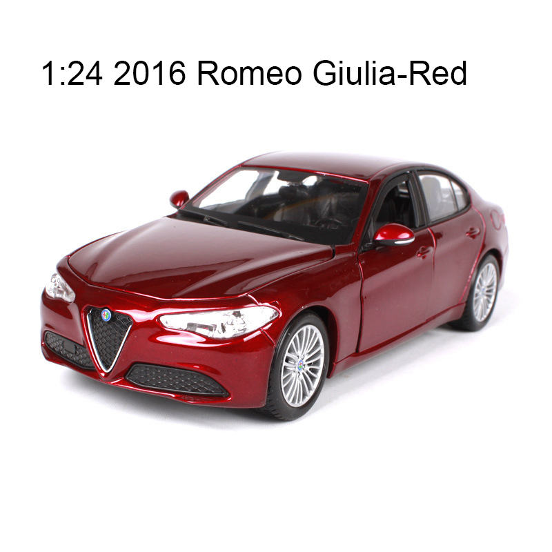 Bburago 1:24 diecast Car Romeo Giulia Italy sedan 1:24 Alloy Car Metal Vehicle Collectible Models toys Toy For Gift Collection