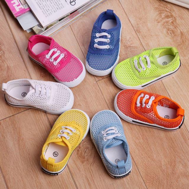 2017 novos de verão para crianças de tênis shoes sandálias meia respirável doce cor sandálias malha respirável crianças da criança do bebê shoes