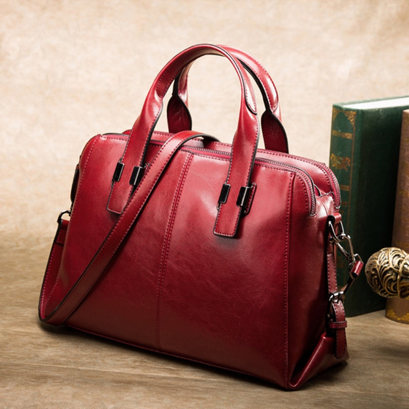 European and American fashion leather female models large bag 2018 new simple casual leather Messenger bag female messenger bag lingge chain shoulder bag 2016 new european and american fashion pu leather wm0079