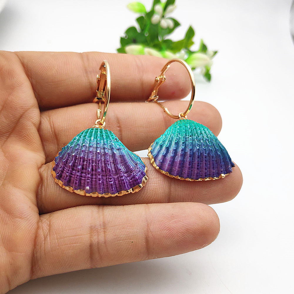 2019 New Natural Shell Pendant Earrings Handmade Gold Conch Shell Earrings Female Models Color Beach Party Jewelry in Drop Earrings from Jewelry Accessories