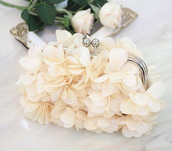 2017 NEW Hot Sale Women Wedding Evening Bag  Banquet 3D Big Flower Purse Messenger Bags Bolsas Fashion Elegent Lady Day Clutch