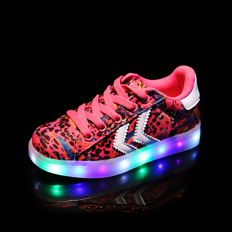 New Arrival Child Baby Lighted Shoes Children Brand Fashion Luminous Sneakers Boys Girls LED Light Casual Sports Shoes