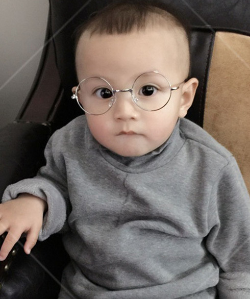 b1898c7ce54 2018 Fashion Round Children Glasses Frame Baby Boys Girls Eyeglasses Frame  Vintage Kids Clear Lens Optical Spectacle 2 7 old-in Eyewear Frames from  Apparel ...