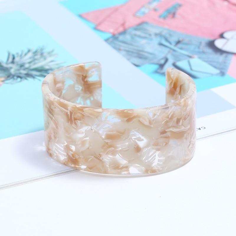 Acrylic Resin Bangle Bracelet Wristbands Tortoiseshell Acetate Plate Cuff Bracelet Vintage Wide Irregular Geometric Plastic Bangle Bracelet for Women Teen Girl Jewelry