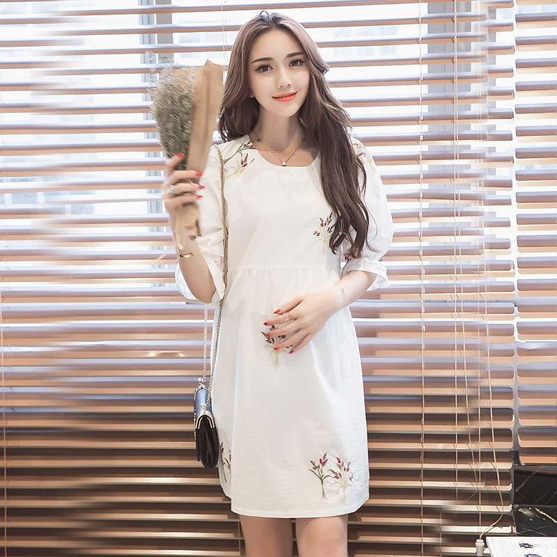 2018 Summer New Pregnant Woman Dress Loose Casual Large Size White Embroidered Breastfeeding Dress