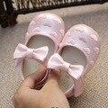 Nova Primavera Outono 2016 Amor Bordado Arco Doce Princesa Sapatos Da Criança do bebê Primeiros caminhantes Do Bebê Sapatos De Couro Meninas