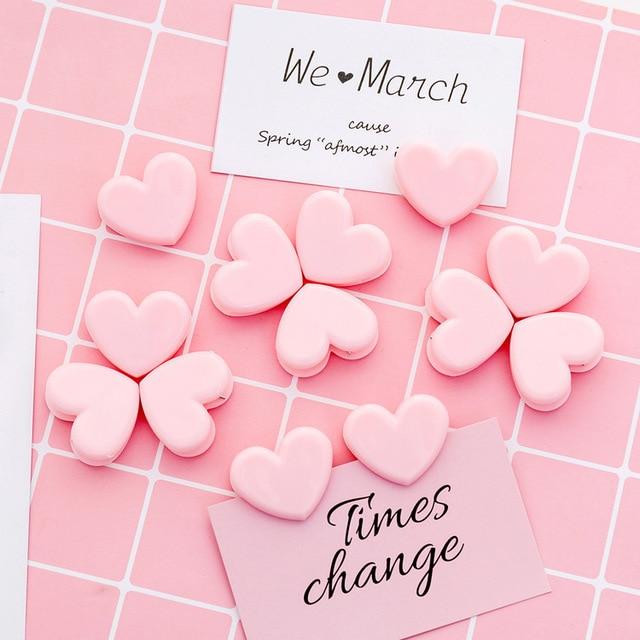最新の写真デコレーションアクセサリー愛のハート型のピンククランプ写真の背景の小道具固定写真クリップ