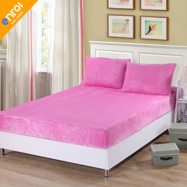 Free Shipping High Quality Rubber Band Mattresses Protector For Beds Soild Printed Flannel Cover On The