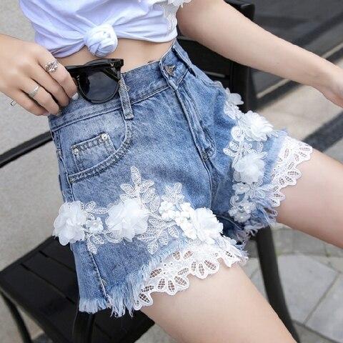 Coreia do Novo Flores de Slim Shorts de Perna Tamanho Grande Verão 2020 Bordado Lace Denim Larga Feminino Hot Curto 25 29 30 31
