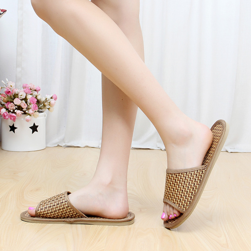 2018 Natural tropical royal cane couple home slippers rattan straw weave female slippers bamboo rattan summer slippers guess by marciano сумка на руку