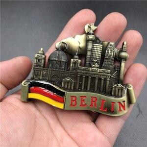 Image 2 - ונציה מגנט מתכת 3D מקרר מדבקת מקרר מגנט מזכרות ברלין טירה ברזיל ישו מטבח מגנט מדבקת בית תפאורה