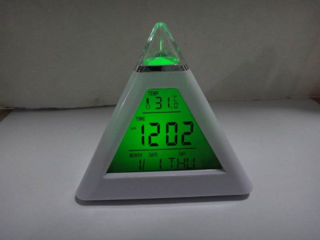 Retail 1pcs Glowing 7 Color LED Change Pyramid Digital Alarm Clock  Date temperature