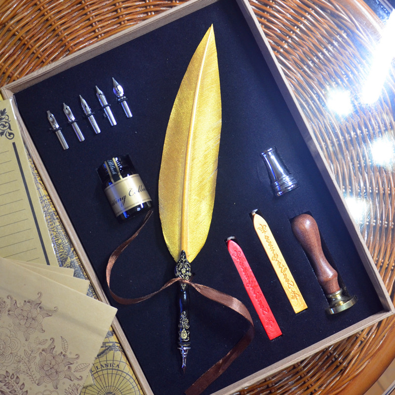 Deluxe Gold Color Retro Carving Quill Feather Pen Set with Pen Holder 5 Nibs 1 Ink Signature Calligraphy Gift Feather Dip PenDeluxe Gold Color Retro Carving Quill Feather Pen Set with Pen Holder 5 Nibs 1 Ink Signature Calligraphy Gift Feather Dip Pen