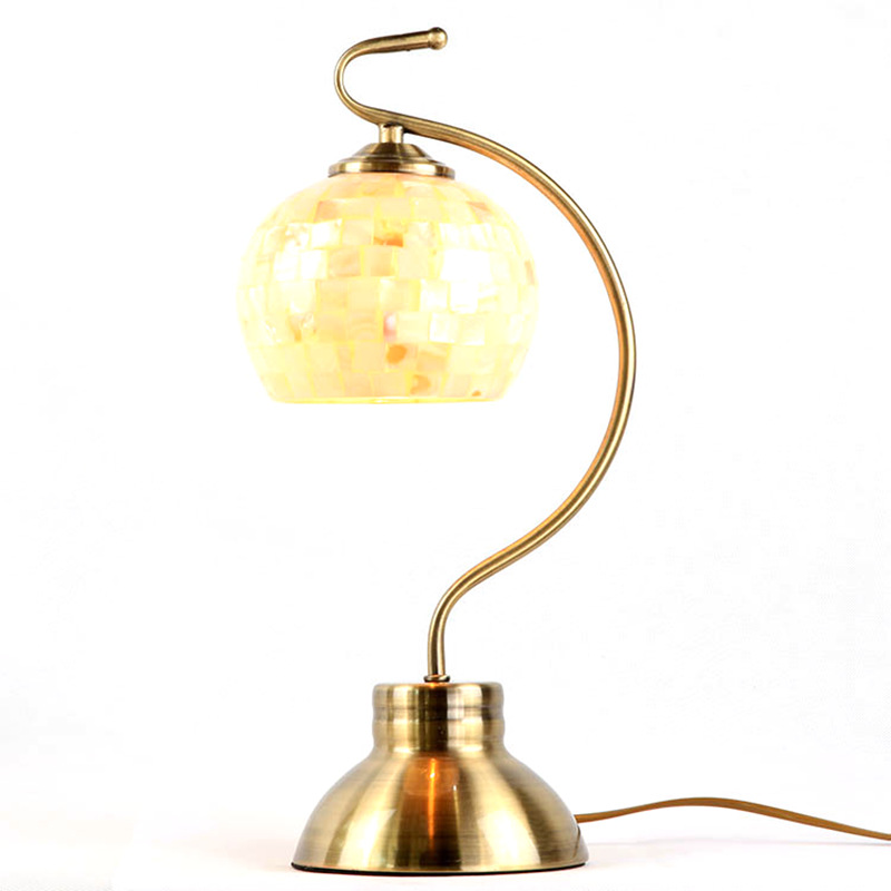 Traditional Tiffany Desk Lamp Shell Lamp Shade Country Style Bedside Lamp brass color romantic and warm white E27 led bulb