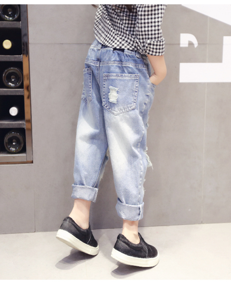 75ab76a92 Children Holes Broken Jeans 2017 New Girls Jeans Baby Jeans Children Broken  Hole Casual Pants Trousers 2 7Y kids Jeans-in Jeans from Mother & Kids
