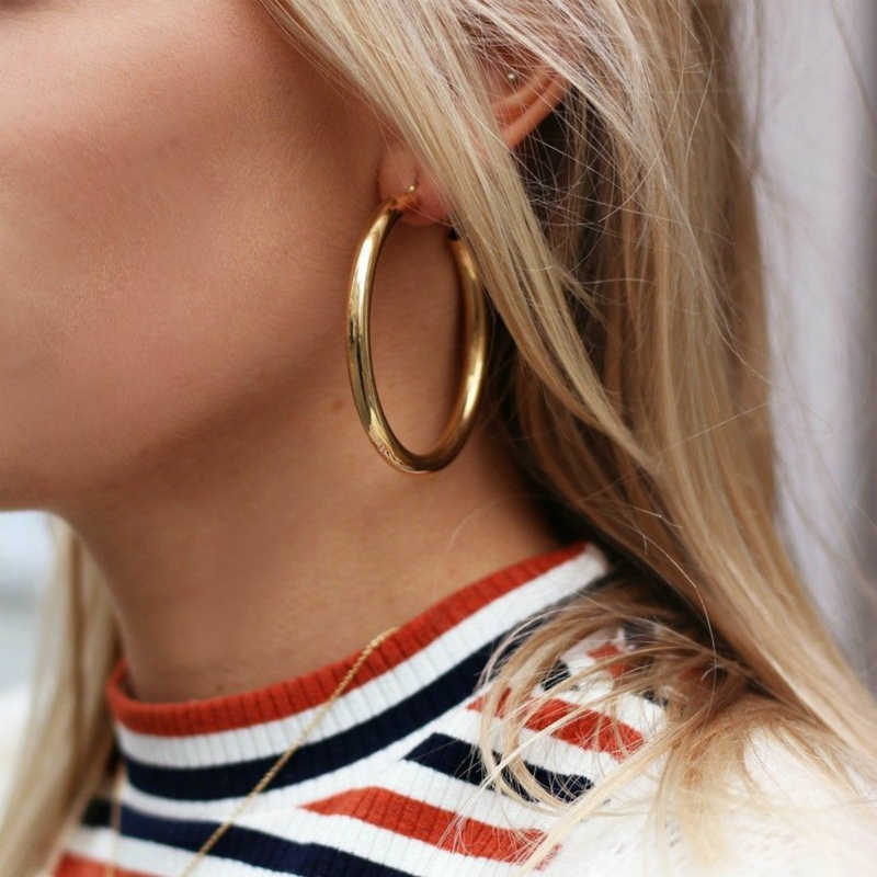 2019 Fashion Earrings Personality Thick Round Metal Lady's Ear Ring Hyperbole Selling Jewelry Wholesale Earrings Wedding Gift