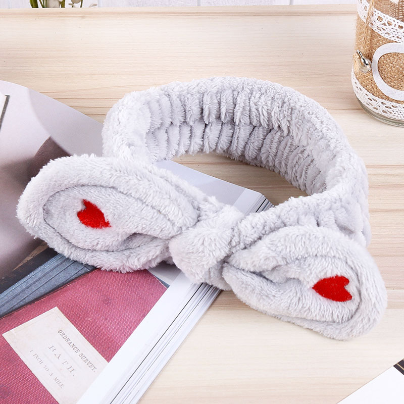 Купить с кэшбэком Hot Coral fleece Korean Coral fleece love pink bow Baby hair band cute female bath wash face scarf women headband