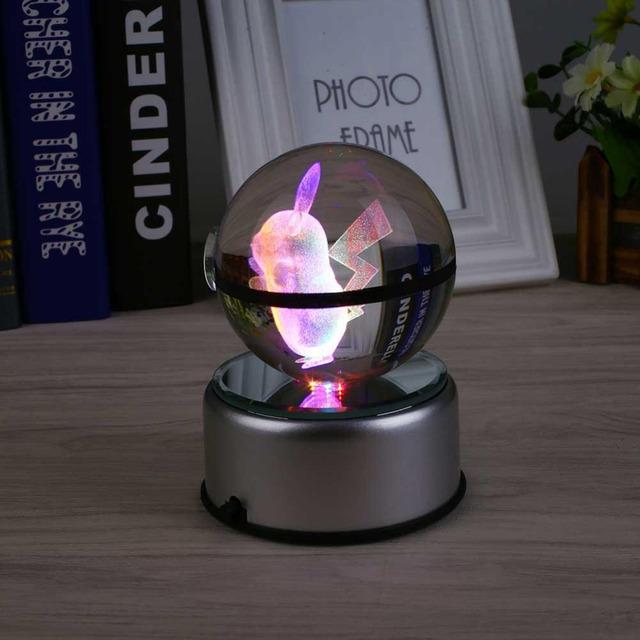 17 Tipos de Rotación Girar Giro Pikachu Pokeball Pokemon Ir 3D Bola de Cristal LED Luz de La Noche Veilleuse