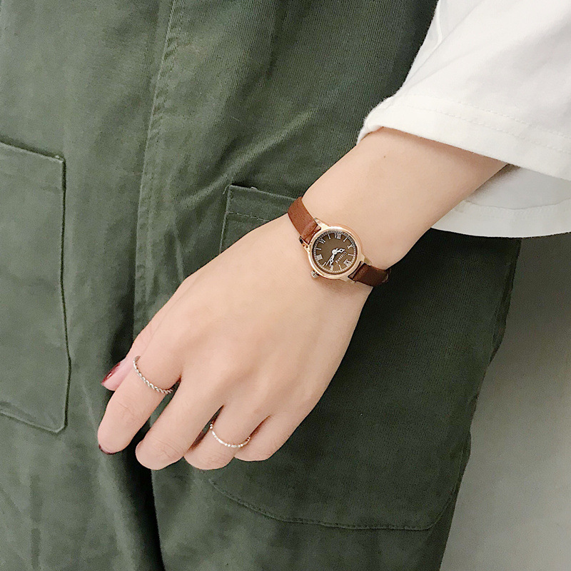 Luxury Women's Fashion Exquisite Roma Retro Watches Elegant Ladies Design Small Wristwatches Vintage Leather Female Dress Watch