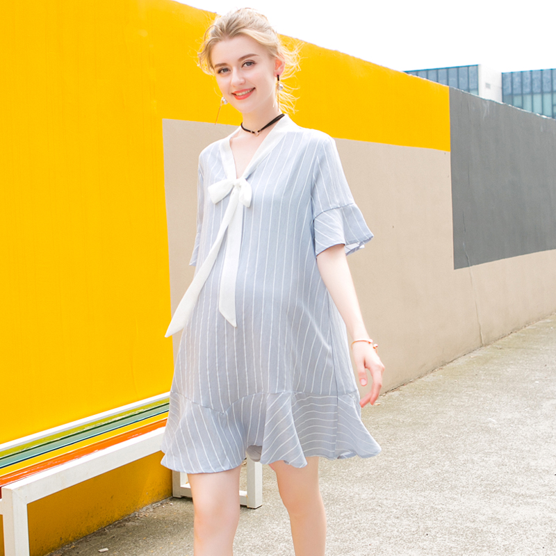 все цены на Europe New 2018 Summer Pregnant Women Fashion Loose Sexy V Neck Bow Striped Flare Sleeve Dress Maternity Casual Mommy Clothing