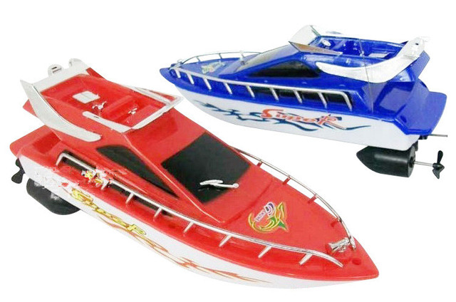 Hot Mini Fast Electric RC Boat 15-30M Remote Lure Boat Outdoor Toys Gifts For Boy