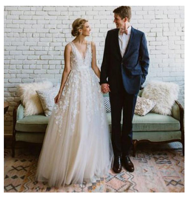Купить с кэшбэком SOD Wedding Dress 2019 White Ivory Spaghetti Straps  Flowers Appliques Sexy Bride Dress Backless Vestido De Novia Playa Gowns