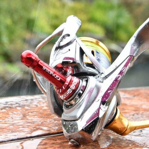alimentador de peixe de metal cheia molinetes rocha roda quente