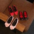 Aercourm um 2017 outono novas meninas arco de couro princesa shoes crianças shoes plano casual shoes tênis meninas rosa preto vermelho 21-30