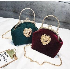 Image 2 - Kadın kadife inci çanta Vintage kadife kalp tasarım akşam çanta düğün gelin debriyaj kadife çanta çanta