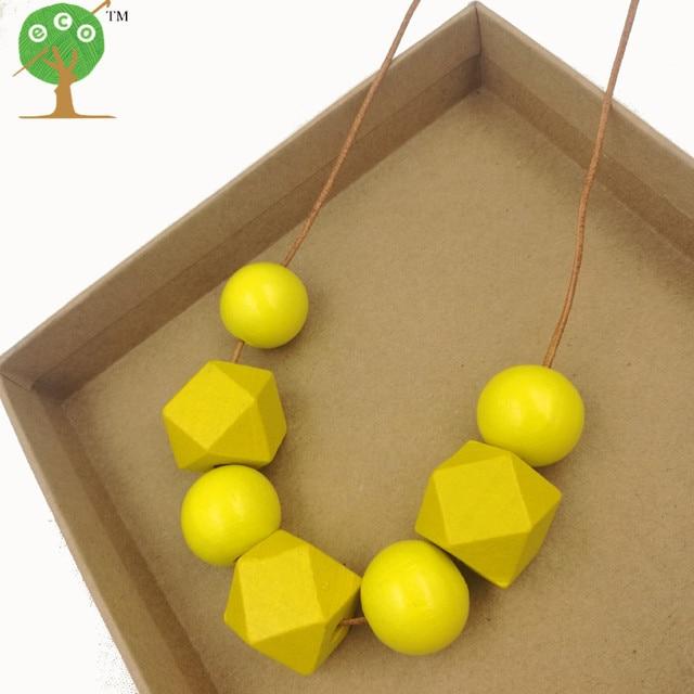 Collier bois jaune