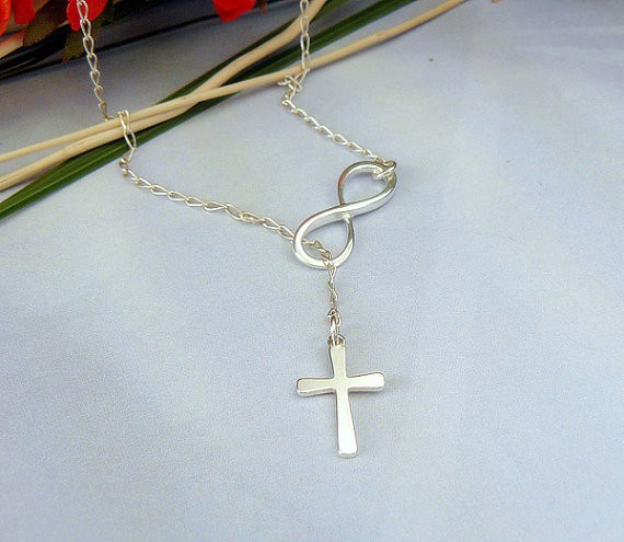 Casual Infinity Shape Necklace