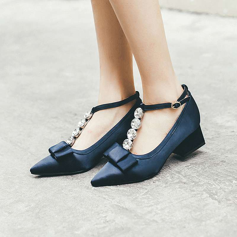 ФОТО 2017 New fashion thick med heel bowtie crystal diamond women pumps pointed toe silk sexy wedding women shoes ankle strap 75