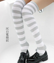 цена на ( 2 Pair / lot ) MIKU striped Stockings red white/ Gray white / Taro purple white / mint white / Navy Blue white /