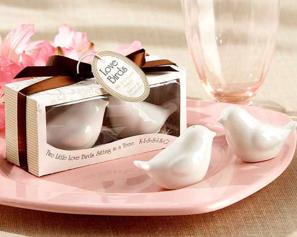 "Fast Delivery ""Lovebirds In The Window"" Ceramic Salt and Pepper Shakers Wedding Favor Caster Of Creative Life (1set = 2 Pcs)"