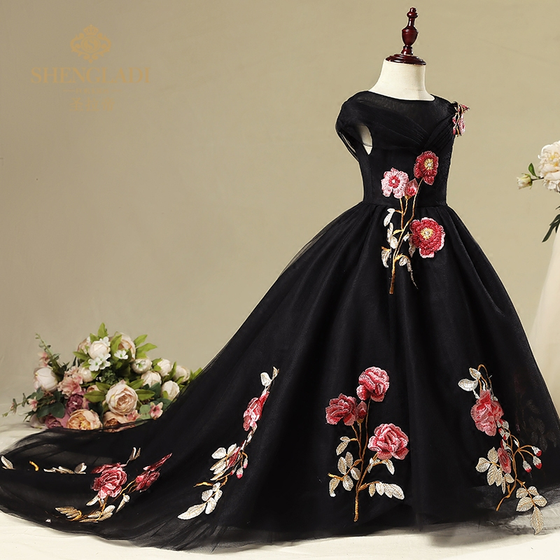 Trailing Flower Girls Dress Long Black Ball Gown Short Sleeve Princess Dresses Party Gown Kids Pageant for First Communion A76Trailing Flower Girls Dress Long Black Ball Gown Short Sleeve Princess Dresses Party Gown Kids Pageant for First Communion A76