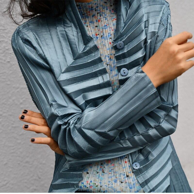 Kadın Giyim'ten Basic Ceketler'de Changpleat 2019 Bahar Yeni orijinal tasarım Kadın Ceketler Coat Miyak Pilili Düz Tek göğüslü Uzun kollu Ince Kadın Mont'da  Grup 2
