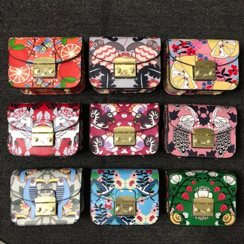 9 couleurs célèbre marque Designer de haute qualité Graffiti en cuir véritable chaîne épaule Messenger sacs pochette pour femmes Sac à Main Sac à Main