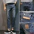 Otoño 2017 adolescentes ripped jeans rectos Marea masculina cultiva su moralidad pies Elásticos pantalones