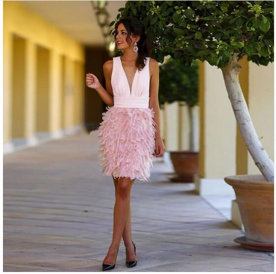 Short   Cocktail     Dresses   2018 Deep V Neck Straight Feather Sexy   Cocktail   Party   Dress   Girl Robe de   Cocktail   vestidos coctel