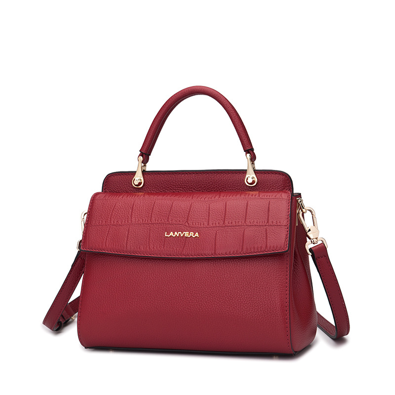 The first layer of leather handbag 2017 new fashion handbags all-match Shoulder Messenger portable one generation 2017 autumn and winter new women leather handbags fashion simple commuter first layer of leather handbag shoulder messenger bags