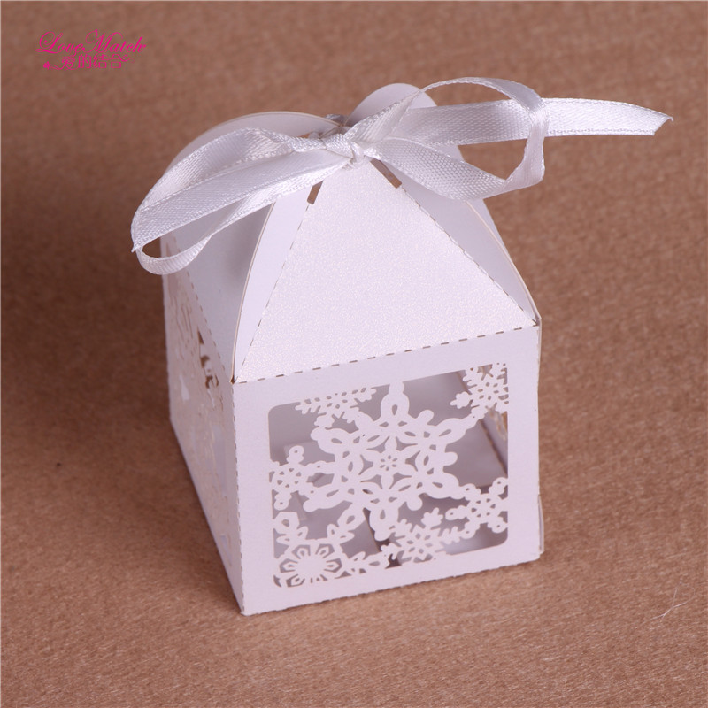 50 Pcs Snowflake Laser Cut Candy Box Wedding Favors And Gifts For