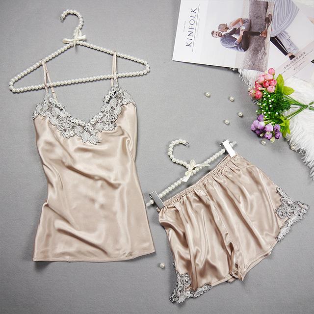 Embroidered 2017 Women Sexy Satin Pajamas Set Lace Silk Pyjama Set V-neck Ladies Pijamas Sleepwear Women Summer Clothes Homewear