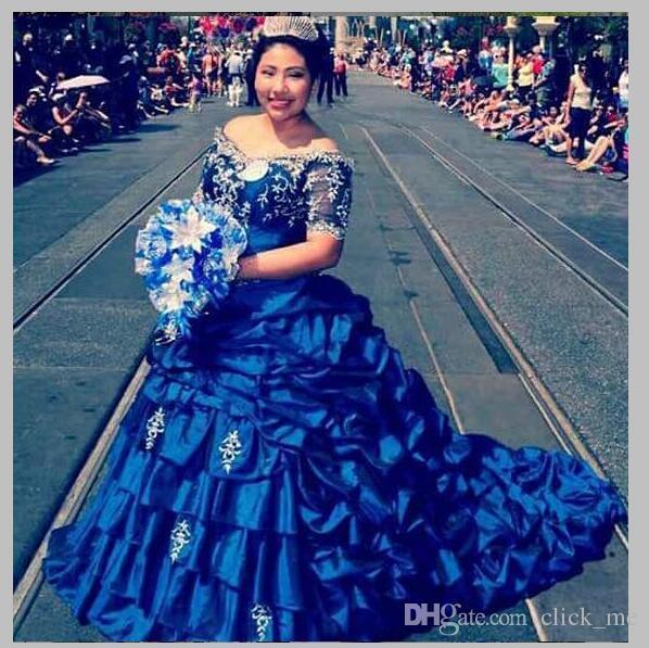 Azul Royal Plus Size Vestidos Quinceanera 2017 Fora Do Ombro de Cetim vestido de Baile Vestido Pageant Beads Baratos Vestidos De 15 Anos QR88