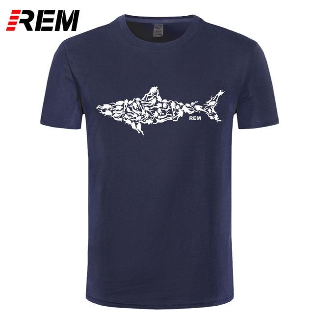 REM Tubarão Mergulhador T-shirt Tee Divinger Mergulho De Aniversário Engraçado presente Presente para Ele Os Homens Adultos T Camisa de Manga Curta algodão